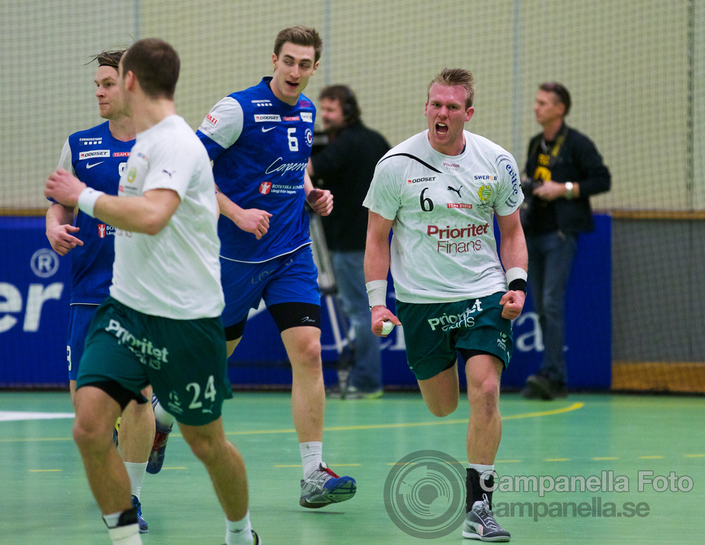 First time shooting Handball - 4 of 9