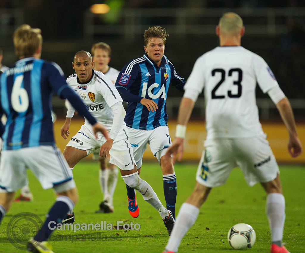 Final fall match at Stockholm Stadion - 3 of 9