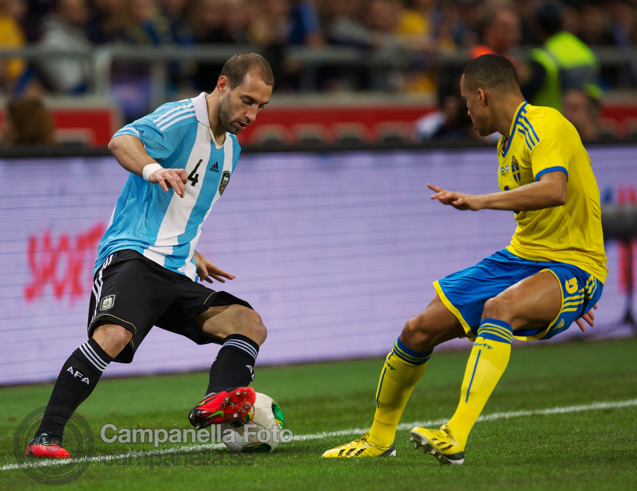Sweden takes on Argentina - 6 of 35