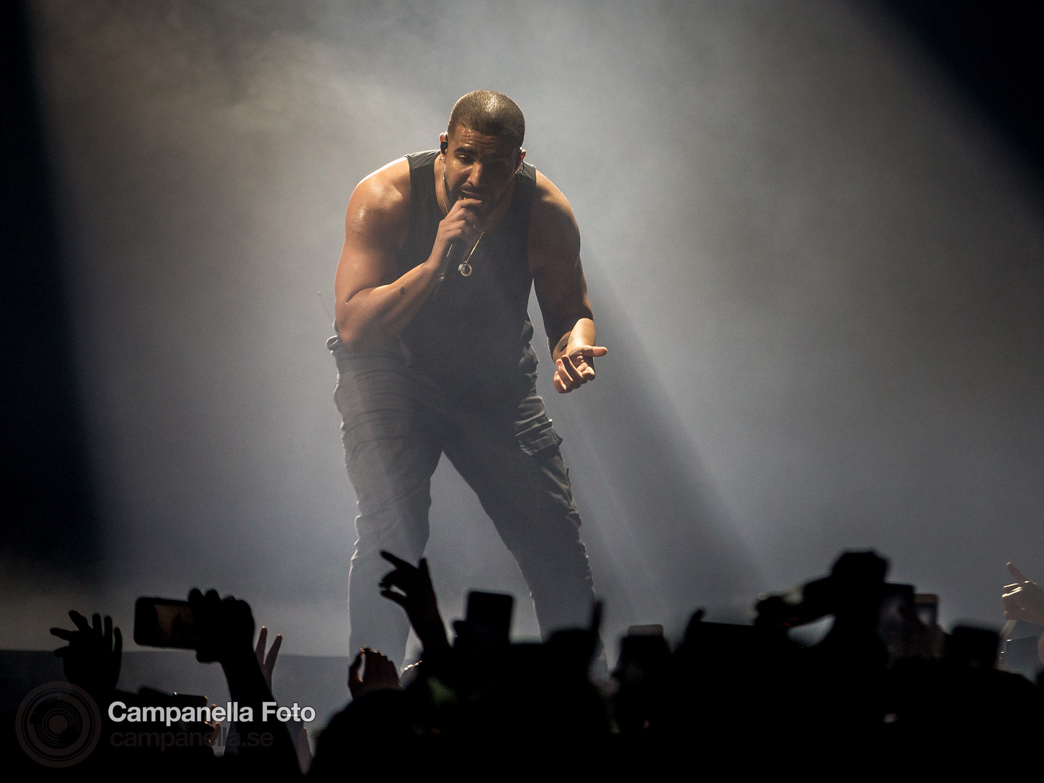 Drake performs at the Ericsson Globe Arena - Michael Campanella Photography