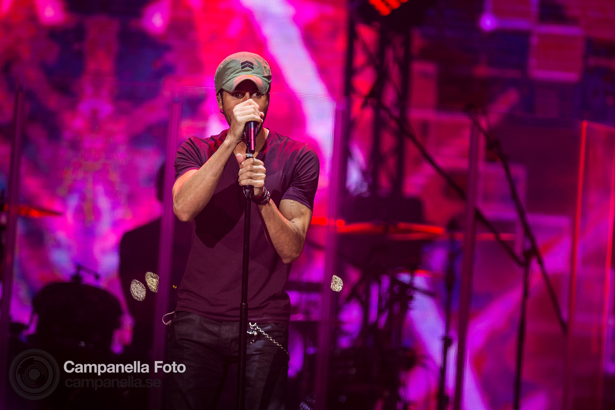 Enrique Iglesias performs in Stockholm - Michael Campanella Photography